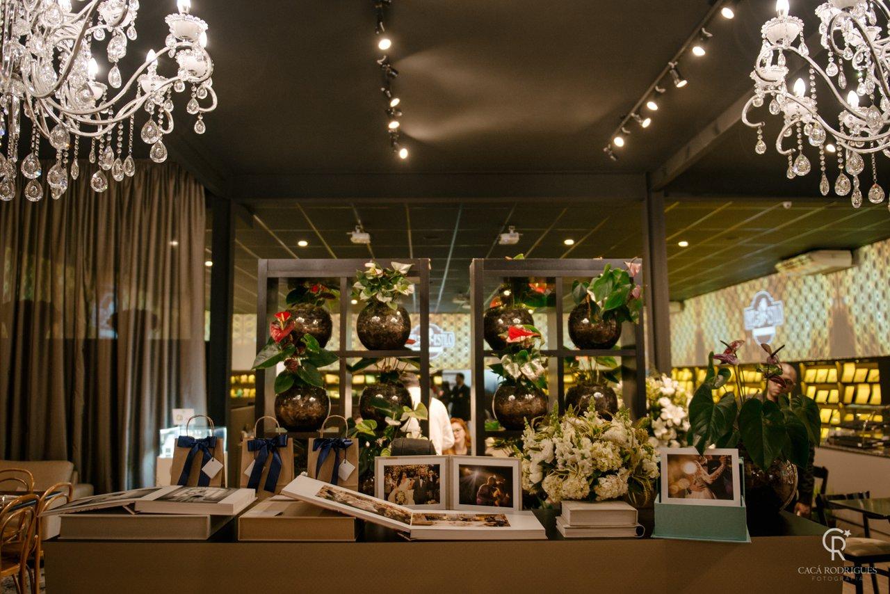 Decoração Floral Mariana Bassi e Louças / objetos Ritz Festas