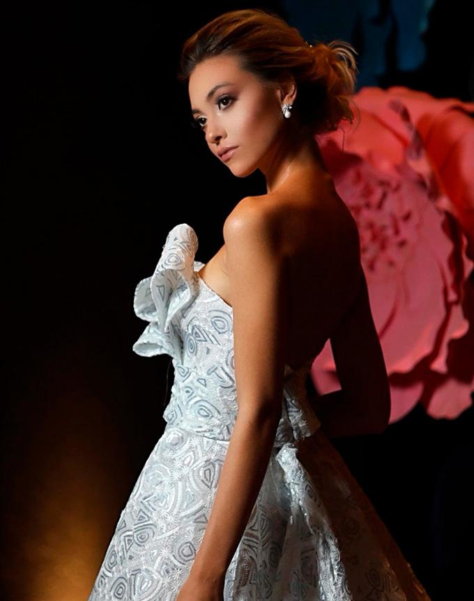 Noiva vestida por Lucas Anderi e produzida por Pelle Capelli Cheers 11