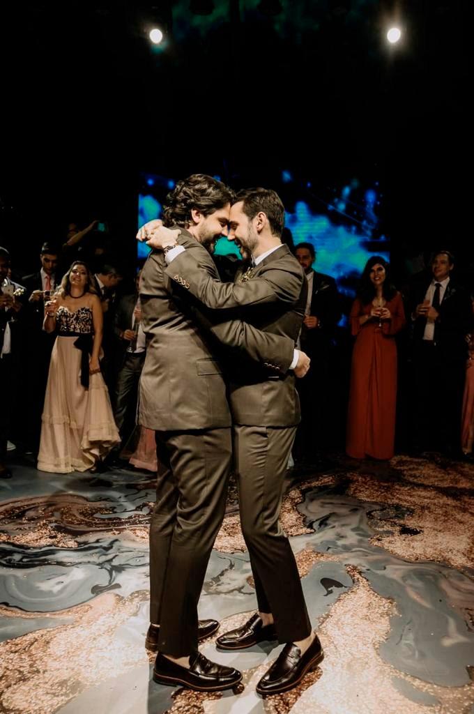 Dança dos noivos Diego e Rafael - Cheers