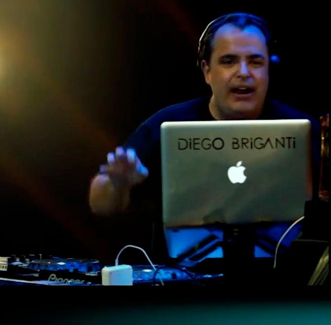DJ a distância festa em casa - Ideias Aniversário de 30 anos - Cheers
