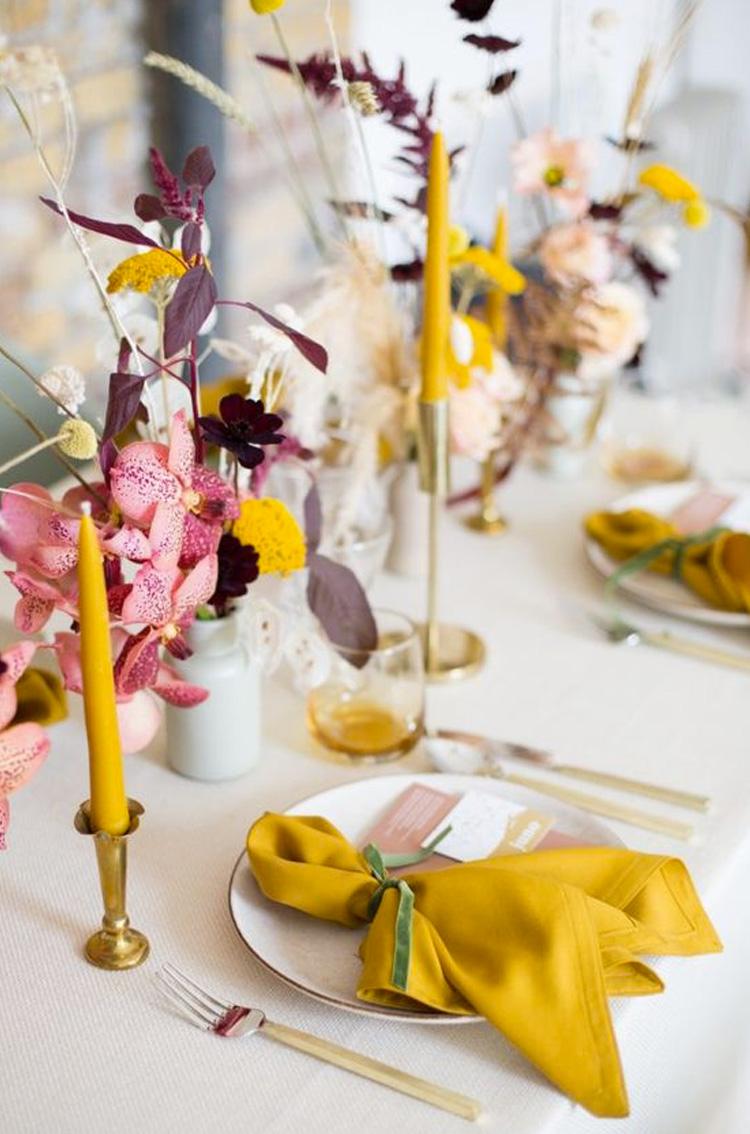decoração amarela casamento minimalista cheers